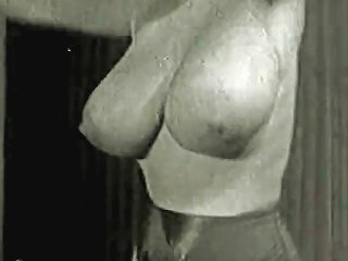 Cleaning House In Sexy Big Tits Stockings 1950s Vintage